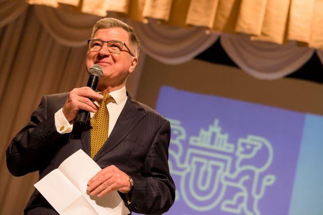 Профессор Александр Чумиков