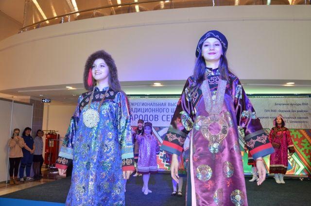 В Салехарде открылась выставка традиционного шитья народов Севера