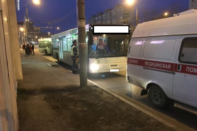 Пассажир упал во время движения.