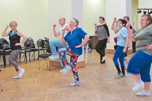 Зумба – одно из самых популярных спортивных направлений проекта «Московское долголетие».