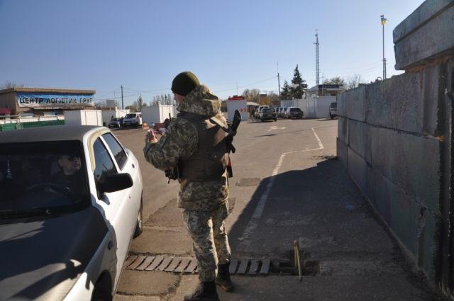 Часть мероприятий по реконструкции пункта пропуска Гнутово в Донецкой области завершена, сегодня восстановлено пропуск людей.