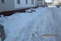 В Салехарде выявили два двора, откуда ни разу не вывозили снег
