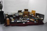 Мужчина почти всю свою жизнь коллекционирует различную аппаратуру.
