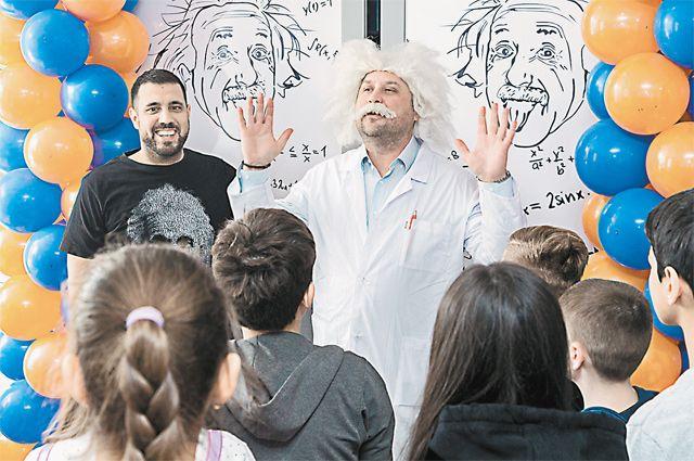 Более 400 школьников и учителей приняли участие в научном фестивале «Наука для всех: завещание Николы Теслы», организованном МГПУ.