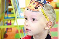 Тимофей мечтает надеть кепку, как у брата Кирилла: сейчас не налезает! А мама близнецов думает о том, как успеть исправить искривление черепа у одного из сыновей...