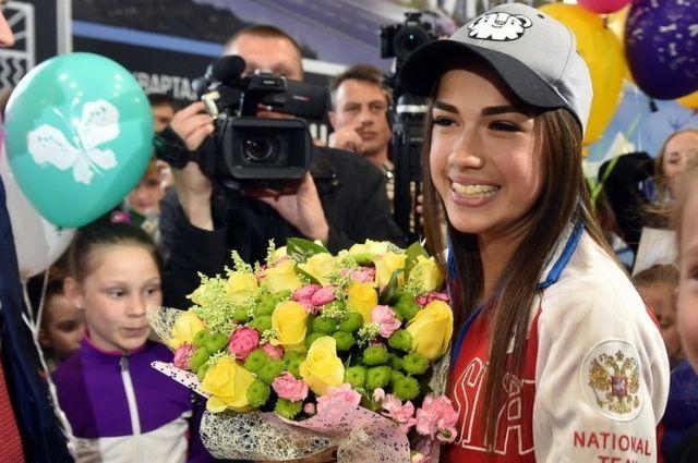 Алина Загитова посетила решающий матч ЦСКА – СКА
