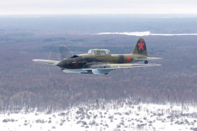 Восстановленный новосибирцами штурмовик Ил-2 взлетел для съемок в кино