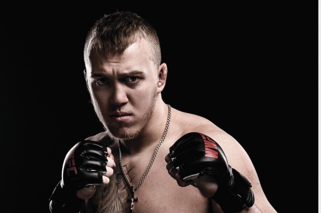 Известный украинский боец подписал контракт с UFC и готовится к первому бою