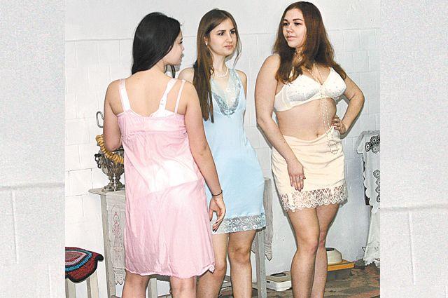 Женское нижнее бельё времён СССР согласно ГОСТу.