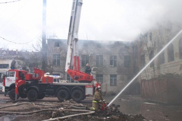 На Советском проспекте Калининграда горел склад