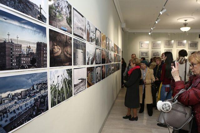 Экспозиции в «Артэтаже» вызывают огромный интерес.