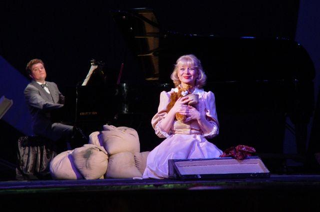Вероника в музыкальной драме «Вечно живые», 2005 г.