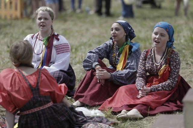Обряд русской свадьбы и игры 19-20 веков покажут на Пушкинском фестивале