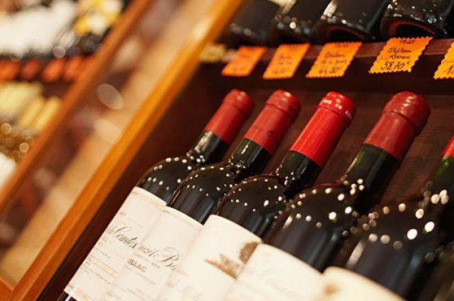 В Украине вновь выросли цены на алкоголь и табак: что сколько стоит