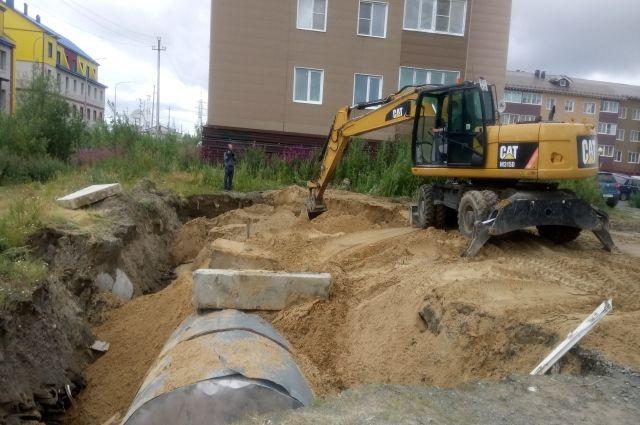 В Салехарде после схода снега отремонтируют септики на улице Чапаева