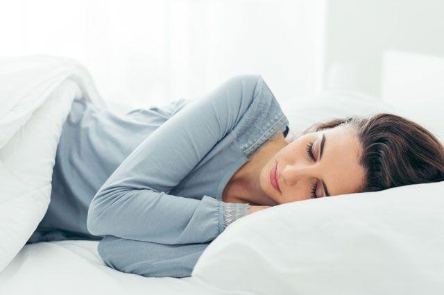 Почему вредно спать под музыку?