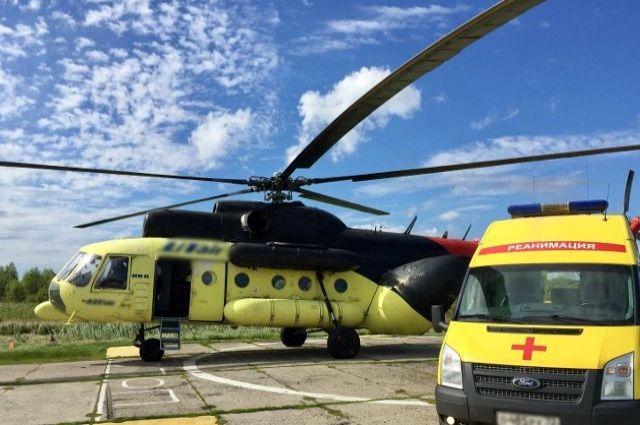 Вертолет санавиации помог 245 жителям Тюменской области