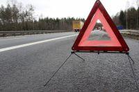 На «Южном обходе» в ДТП пострадали два человека в машине с «аварийкой»