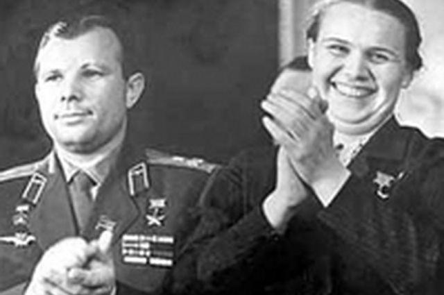 Первый космонавт Юрий Гагарин и Герой Социалистического Труда Валентина Гаганова дружили семьями.