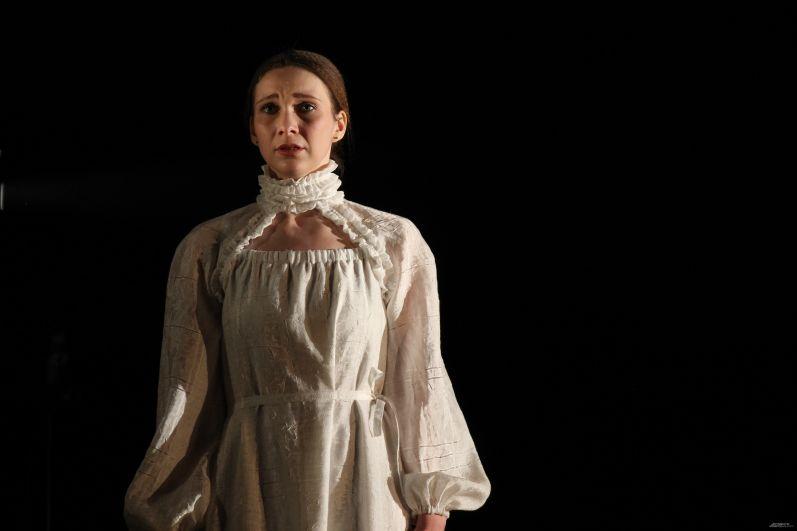 По сюжету Маргарита - чистая и невинная девушка.