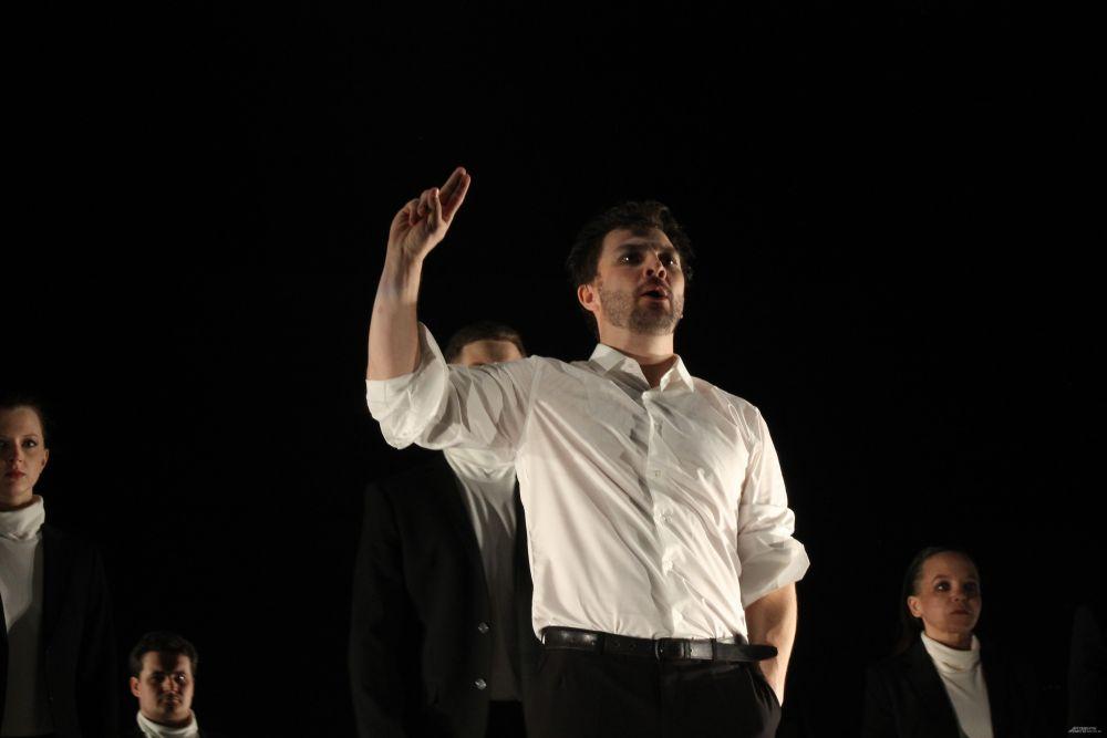 Роман Горбачев исполнил роль Мефистофеля.