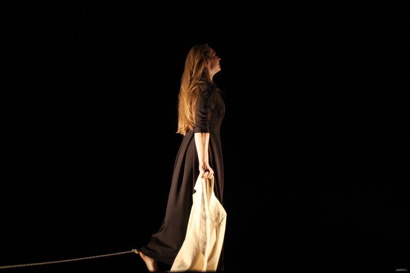 На фото - Анастасия Бурмистрова в роли Марты.