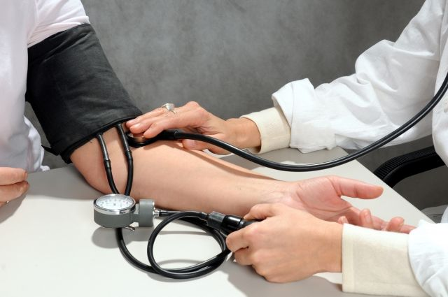 Людям с низким давлением гипертония не грозит?