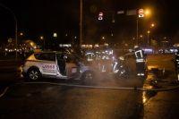 На столичной Дарнице столкнулись и сгорели дотла два такси.