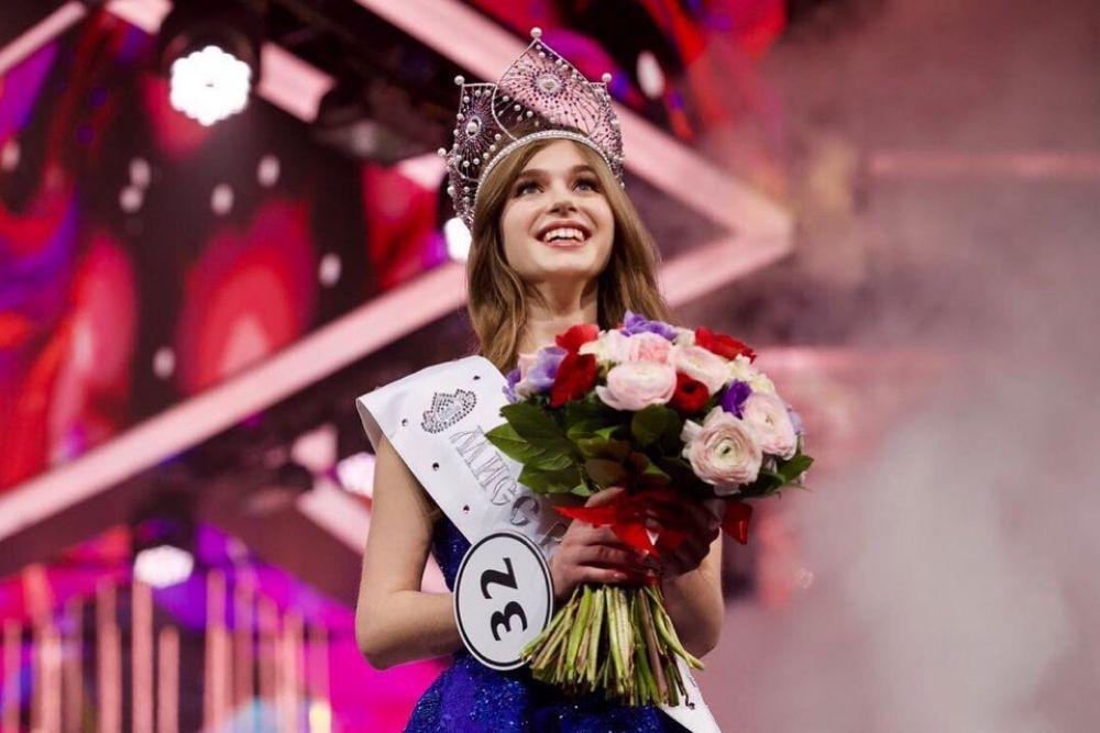 Девушка из Азова стала обладательницей короны стоимостью около одного миллиона долларов.