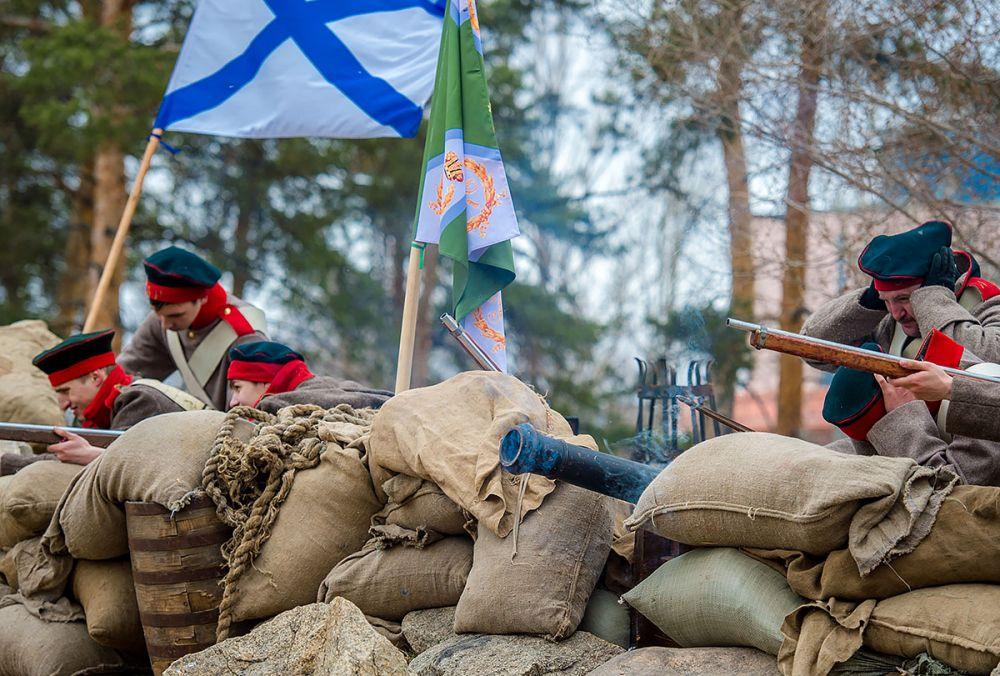 Заговорили пушки на позициях русских и иностранных войск