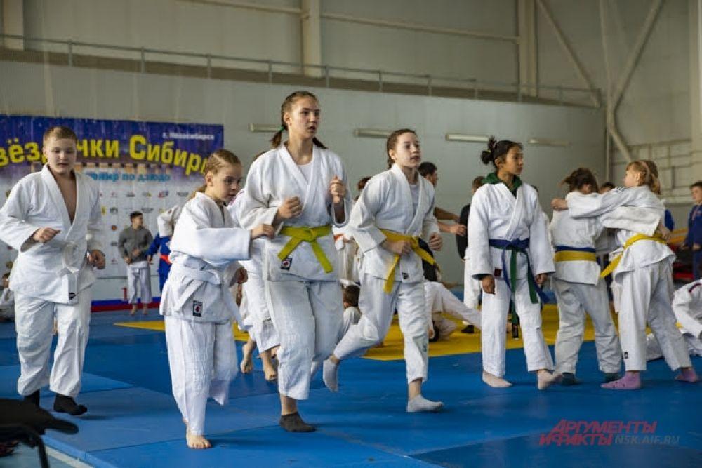 В соревновании участвовали дети разных возрастов.