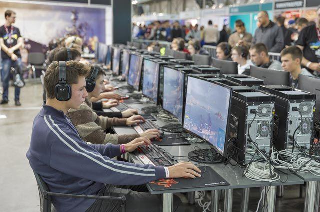 Поклонники сетевой игры Wargaming.