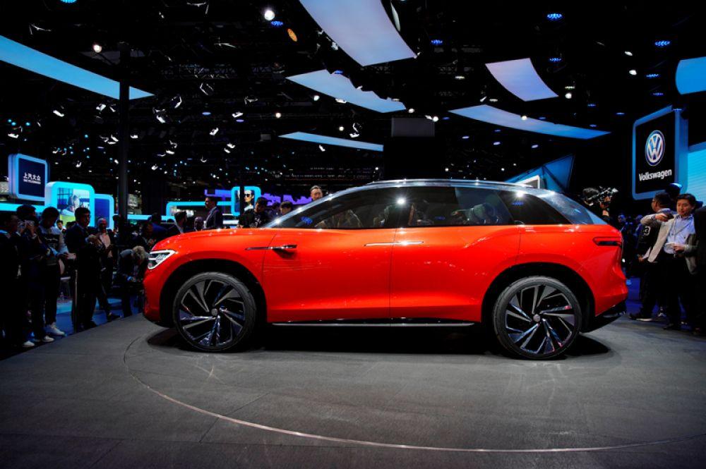 Электрический кроссовер Volkswagen SUV ID Roomzz.