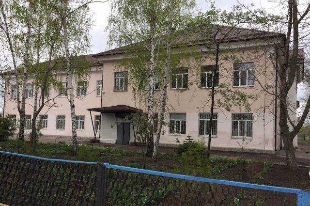 В Мелитополе ученик сообщил о минировании школы: эвакуированы 350 человек