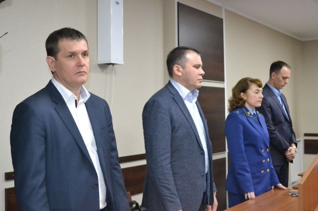 Евгений Нагорнев (слева) потерял в аварии жену и дочь