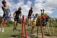 Летом откроется 87 лагерей с дневным пребыванием детей. В начале июня заработают 86 лагерей, в июле-августе  – по одному лагерю в каждом районе города.