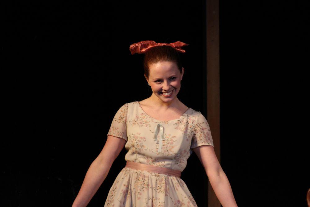Анастасия Альмухаметова в собственном спектакле рассказывает детские воспоминания Людмилы Гурченко.