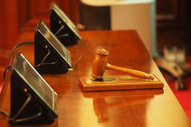 В Сарапуле юрисконсульт заплатит штраф за нападение на пристава