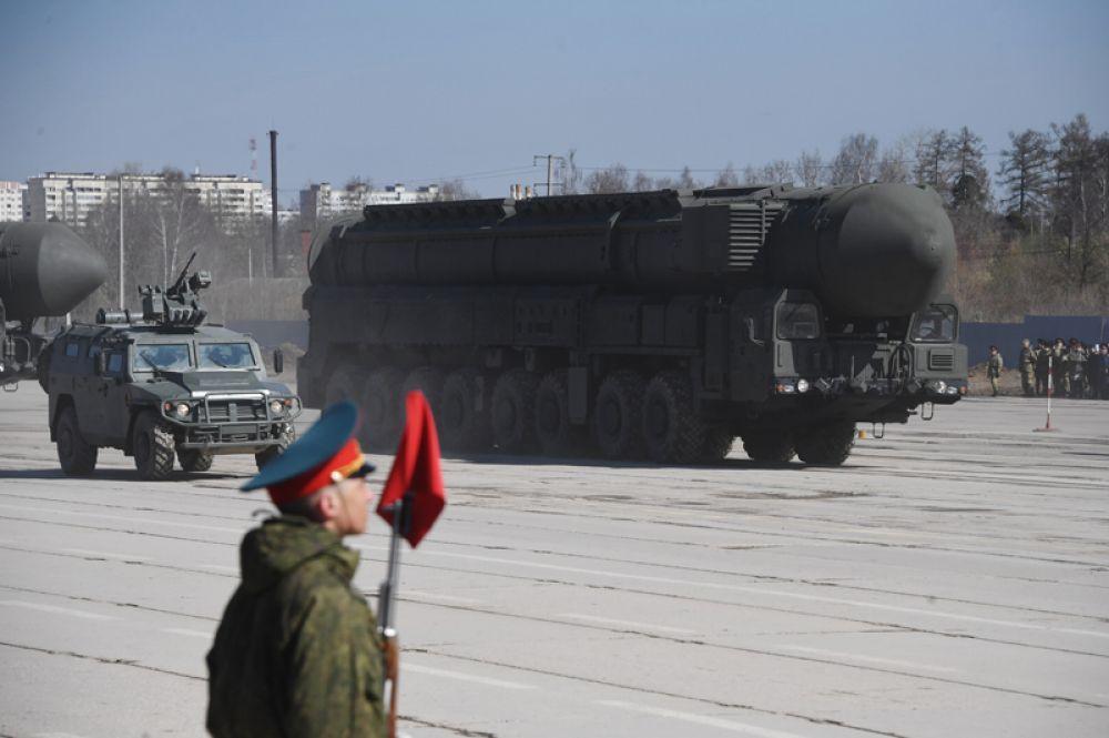 Противотанковый ракетный комплекс «Корнет-Д1» и автономная пусковая установка ПГРК «Ярс».
