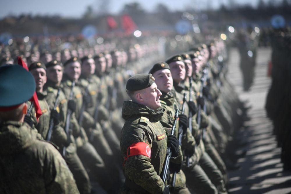 Курсанты во время репетиции парада Победы на военном полигоне «Алабино».