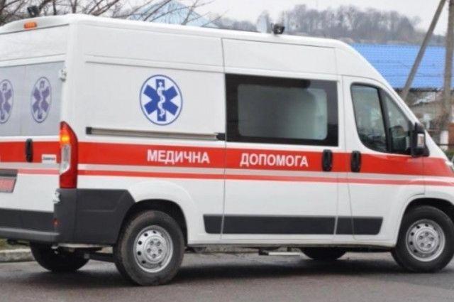 В Запорожье нетрезвая беременная женщина бросалась с ножом на детей