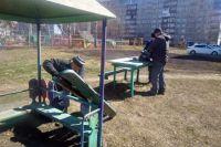 В областном центре на 1 201 детской игровой площадке установлено 7 438 игровых элементов.
