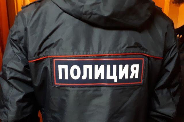В Октябрьском районе Новосибирска во дворе был обнаружен труп