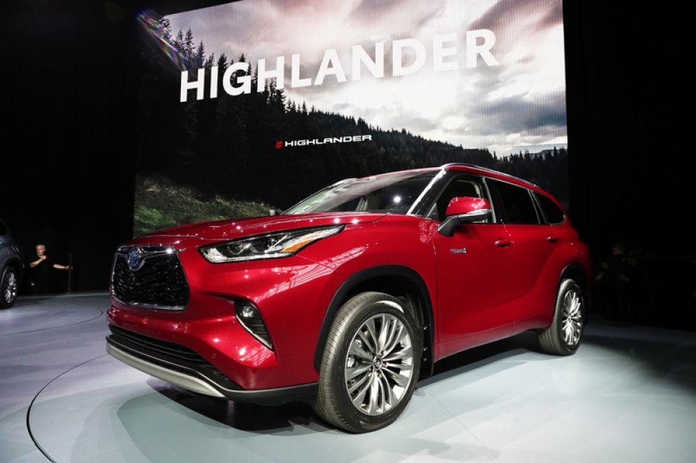 Четвертое поколение Toyota Highlander.