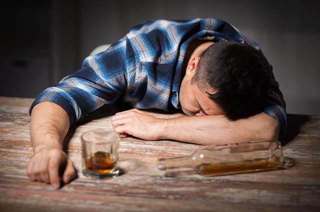 Алкоголизм и бытовое пьянство: отличия, что такое