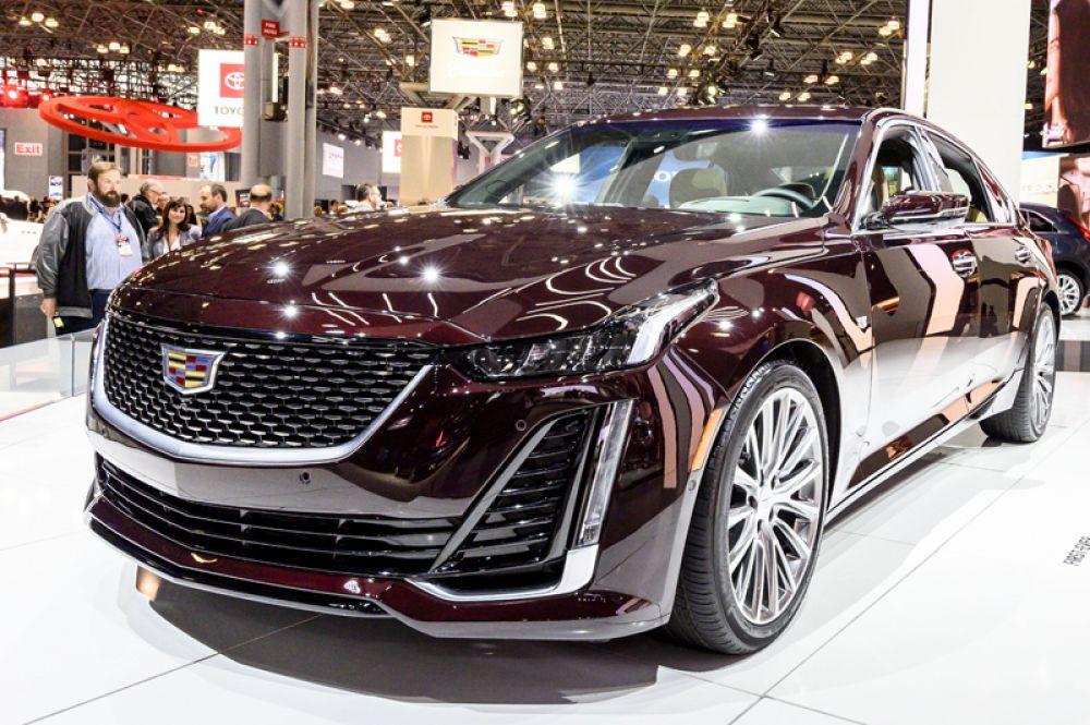 Cadillac представил новый седан CT5, который называют конкурентом BMW 5 серии.