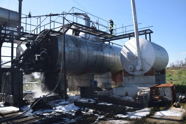 Пожар на нефтеперерабатывающем заводе в Николаевской области: есть жертвы