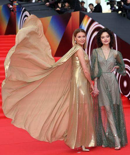 Актриса Любовь Толкалина с дочерью Марией.