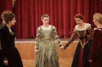 Несколько раз в год поклонники исторических танцев проводят балы.