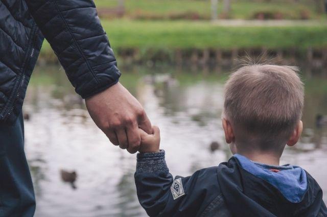 Под Житомиром мужчина насиловал трехлетнего ребенка: его застали врасплох